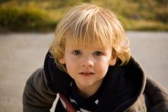 Little Boy con los ojos abiertos Foto de archivo