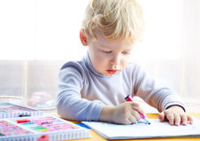 Little boy draw Royalty Free Stock Photos