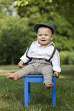 Little Boy en parc Photographie stock libre de droits