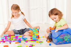 Little boy and girl playing Royalty Free Stock Photos