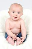 Little Boy na calças de ganga Imagem de Stock