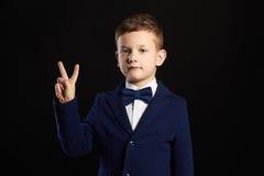 Little Boy niño elegante en traje Fotografía de archivo libre de regalías