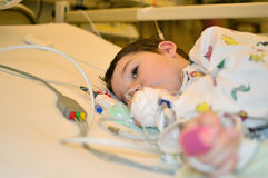 Little Boy no hospital Foto de Stock Royalty Free