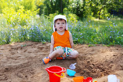 little boy playing with sand Royalty Free Stock Photography