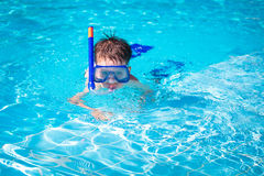A little boy in a pool Stock Photos