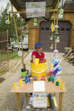 A little boy sells lemonade Royalty Free Stock Photos