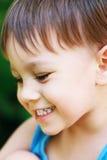 Little Boy skratta Arkivfoton
