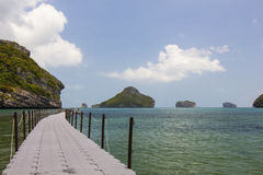 Little Bridge in the sea in Mu Ko Ang Thong Royalty Free Stock Photography