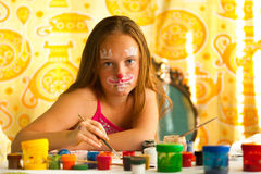 Little girl artist drawing paint Royalty Free Stock Photography