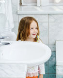 Little girl cleaning the teeth Royalty Free Stock Photo