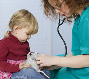 Little girl at doctor Royalty Free Stock Photos