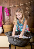 Little girl erases bears Stock Photography