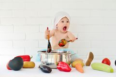Free Little Girl In A Pot Cooking Dinner Royalty Free Stock Photos - 158278638