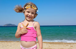 Little girl with starfish Royalty Free Stock Photos