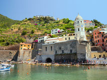 The little harbour of Vernazza in the Cinque Terre Stock Photography