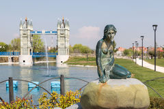 The Little Mermaid and London Bridge in Madrid Royalty Free Stock Photography