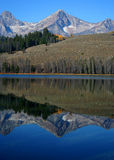 Little Redfish Lake 3. Sawtooth Mountains relected in Little Redfish Lake, Stanley Idaho Stock Photos