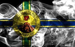 Little Rock-Stadtrauchflagge, Staat Arkansas, Vereinigte Staaten von morgens Lizenzfreie Stockfotos
