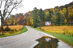 Little White House, Fall, Reflection in Pond royalty free stock photos
