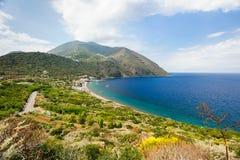 Littoral d'île de Filicudi Photographie stock libre de droits