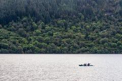 Littoral de Loch Ness dans le début de la matinée, Ecosse Image libre de droits