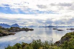 Littoral de Lofoten près de Svolvaer, Norvège image libre de droits