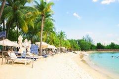 Littoral de plage de Siloso sur l'île-hôtel de Sentosa à Singapour Photos stock