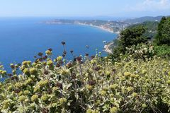 Littoral de village Afionas à l'île Grèce de Corfou vers Images stock