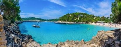 Littoral et plage de Cala Mondrago en Majorque Image stock