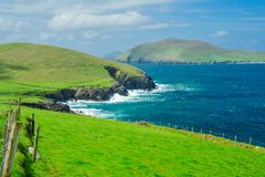 Littoral irlandais et grande île de Blasket Image stock