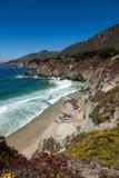 Littoral Pacifique en Californie - omnibus un Photo stock