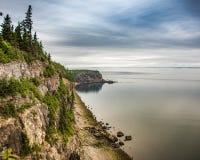 Littoral rocailleux du Nouveau Brunswick photo libre de droits