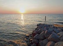 Littoral rocheux de rivage en Norfolk, Angleterre Images libres de droits