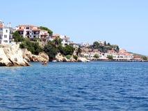 Littoral, ville de Skiathos, Grèce Photos stock