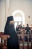 Liturgia ortodossa con il vescovo Mercurio a Mosca immagine stock libera da diritti