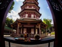 Liu-rong-si, пагода, Temple of The Six Banyan Trees, Гуанчжоу c Стоковая Фотография