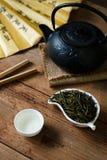 Liuan liścia zielona herbata z herbacianą polewką Obraz Stock