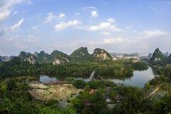 Liuzhou Longtan parkerar landskap Royaltyfri Fotografi