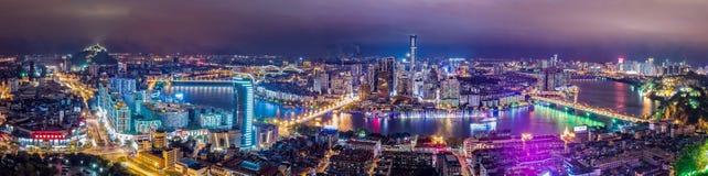 Liuzhou miasto przy nocą zdjęcia royalty free