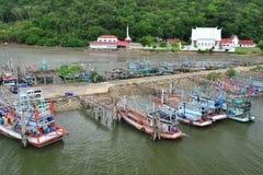 Liv av den thailändska fiskaren Arkivfoto