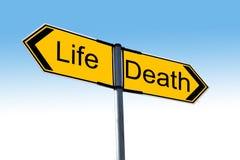 Liv eller död royaltyfria bilder