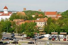 Liv för Vilnius stadsgata i vårtid Royaltyfri Fotografi
