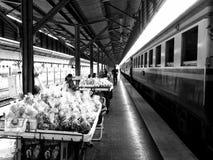 Liv i den HadYai järnvägsstationen, Thailand Arkivbild