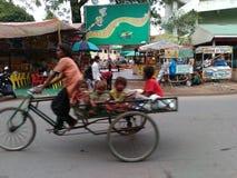 Liv på hjulet - Indien Ahmedabad arkivbild