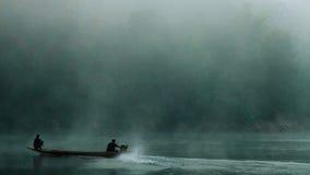 Liv vid floden Arkivfoto