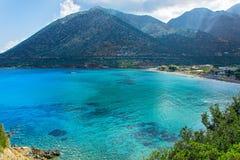 Livadi绿松石蓝色水海滩在巴厘岛村庄C的 库存照片