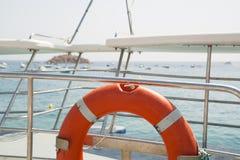 Livboj på fartygs däck Arkivfoto