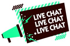 Live Chat Live Chat Live för ordhandstiltext pratstund Affärsidé för samtal med louds för megafon för folkvänsläktingar online- Royaltyfri Bild