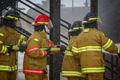 Live Fire Training Project à l'école du feu photo stock