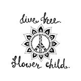 Live Free Blumenkind Inspirierend Zitat über Freiheit Stockbild